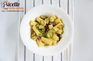 Rigatoni zucchine, speck e zafferano