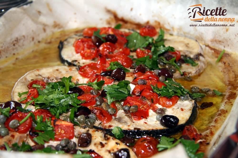 Pesce spada con pomodori capperi e olive ricette della nonna for Ricette di cucina secondi piatti