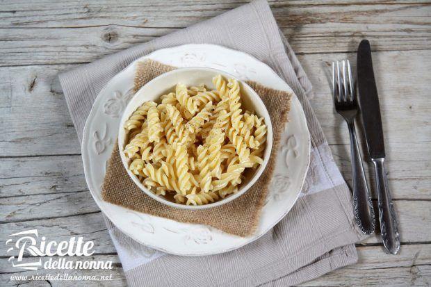 Pasta ai 4 formaggi ricetta e foto