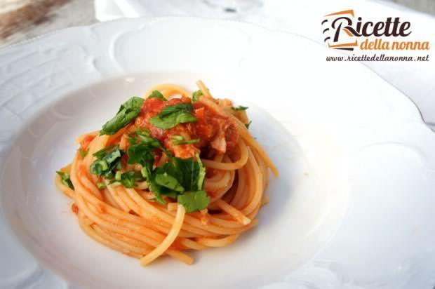Spaghetti al tonno ricetta e foto