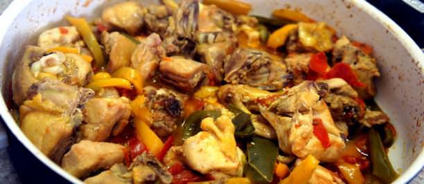 pollo peperoni padella