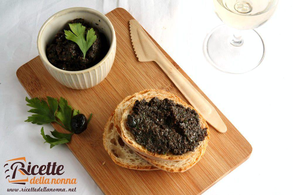 Bruschette con crema di olive