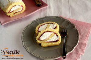 Rotolo farcito con panna e marmellata di ciliegie