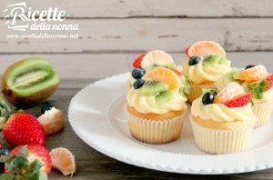 Muffin alla crema con frutta