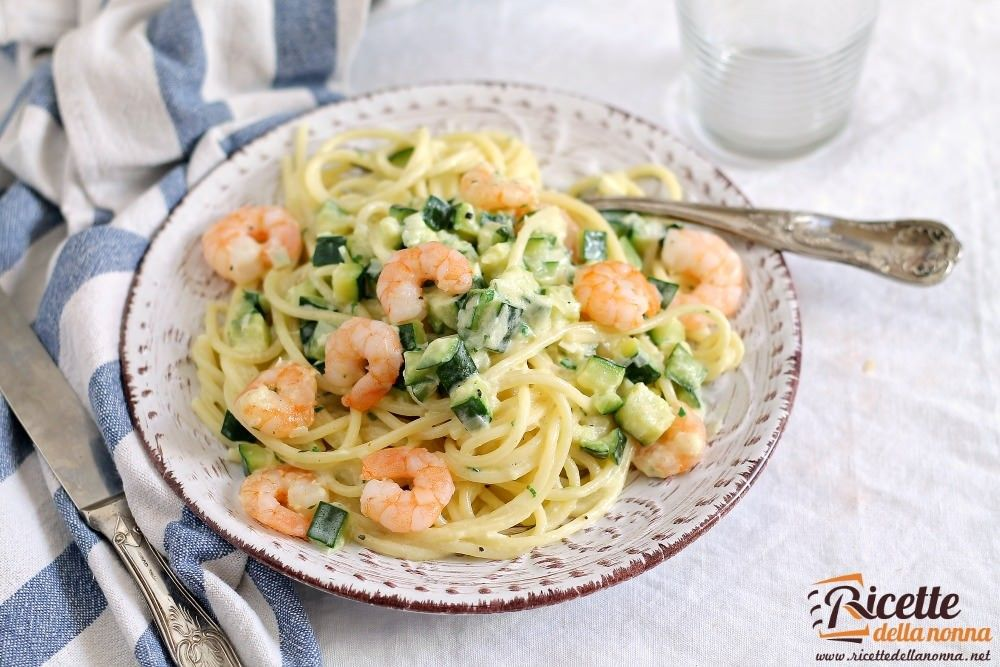 Pasta zucchine e gamberetti ricette della nonna for Ricette di cucina italiana facili