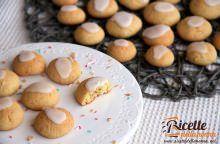 Biscotti alle mandorle con glassa all'arancia
