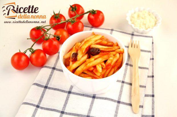 Caserecce al pomodoro e olive foto e ricetta