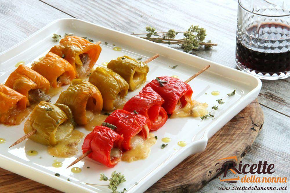 Involtini di peperoni rossi con mozzarella e acciughe for Cucinare 5 minuti