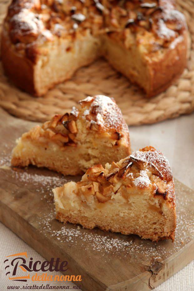 Torta di mele con guscio di pasta frolla e impasto allo yogurt ricetta e foto