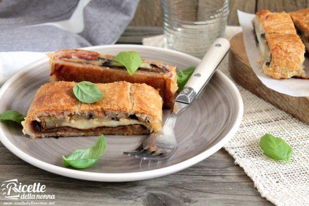 Rotolo pasta sfoglia con melanzane ricetta e foto