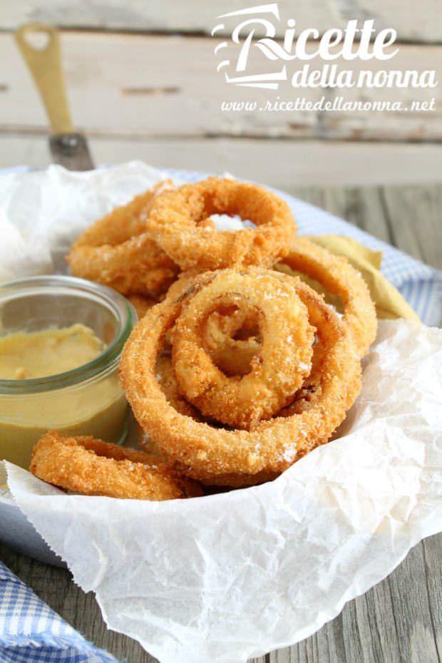 Foto Anelli di cipolla fritti