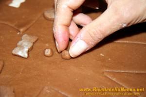 Terza fase Omini di pan di zenzero (gingerbread cookies)