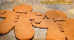 Sesta fase Omini di pan di zenzero (gingerbread cookies)