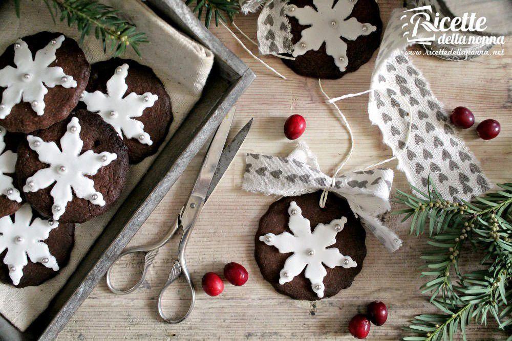 Biscotti di Natale decorati in pasta di zucchero foto e ricetta