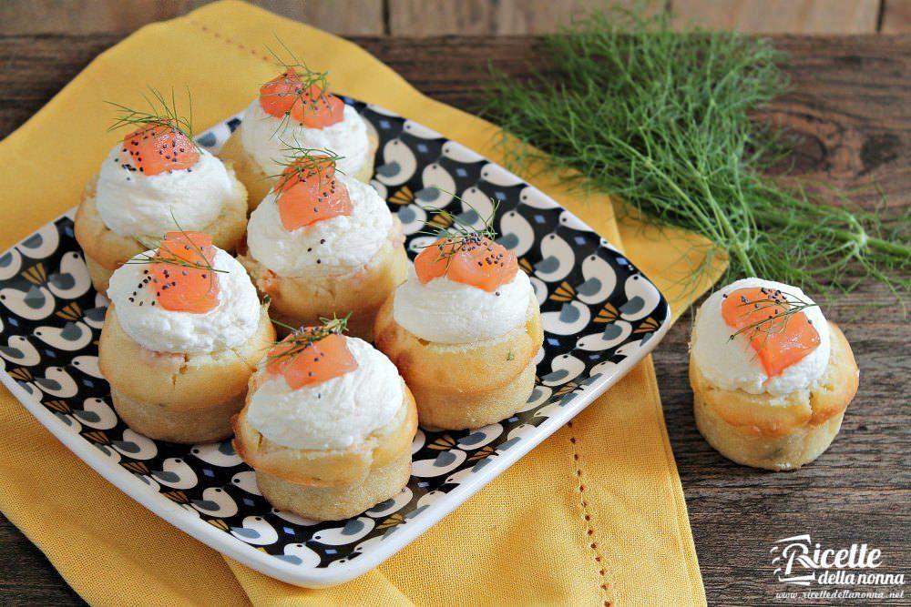 Muffin salati al salmone affumicato ricette della nonna for Antipasti natalizi ricette