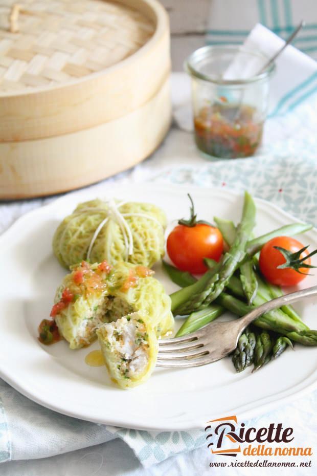 Involtini di verza con filetti di merluzzo