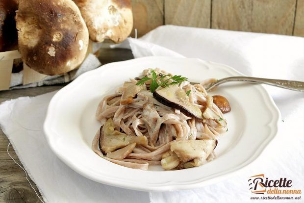 Ricetta tagliatelle di castagne ai funghi porcini