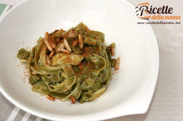 Tagliatelle agli asparagi ricetta e foto
