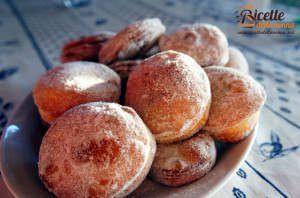 Krapfen (Bomboloni) alla Nutella e alla marmellata