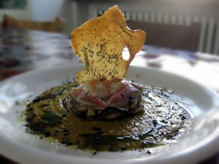 Millefoglie di orto e di mare con gazpacho di verdure ricetta e foto