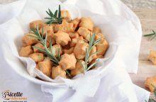 Biscotti di groviera e rosmarino