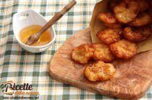 Frittelle di patate dolci con miele e zucchero