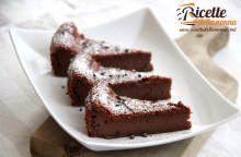 Torta morbida ai due cioccolati