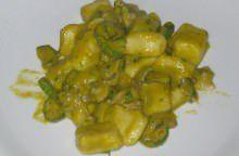 Gnocchi con vongole,zucchine e fiori