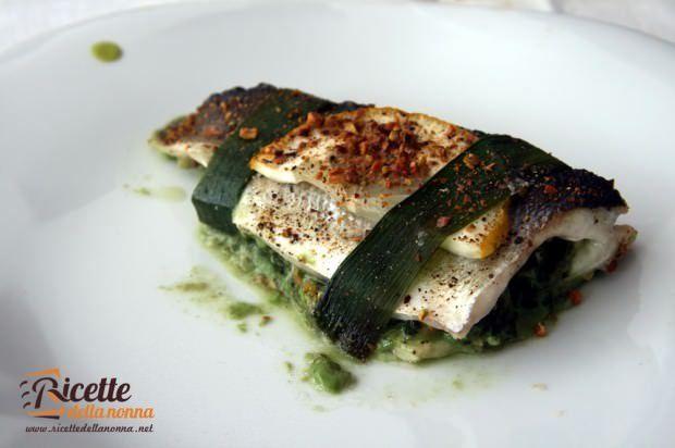 Spigola farcita con spinaci, gamberi e mandorle ricetta e foto