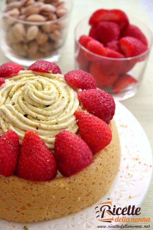 Tortino di fragole e pistacchio ricetta e foto