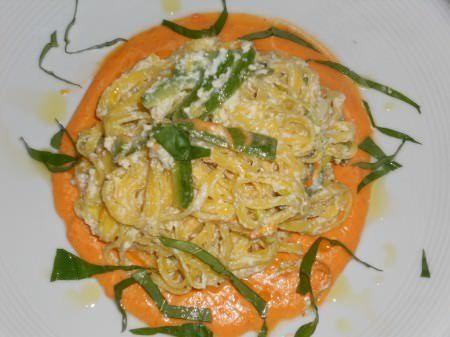 Maccheroncini di Campofilone con zucchine, ricotta e pomodoro ricetta e foto