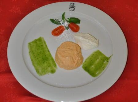 Bavarese di pomodoro, ricotta morbida e basilico ricetta e foto