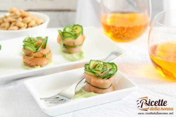 Involtini di salmone e mousse di zucchine