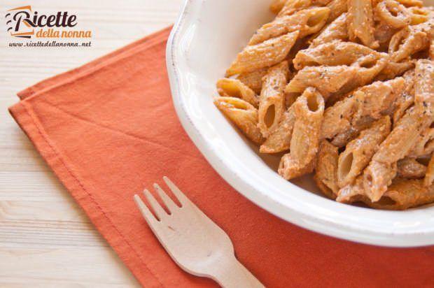 Penne con pesto alla siciliana ricetta e foto