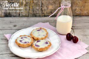 Tortine di ciliegie e cioccolato bianco