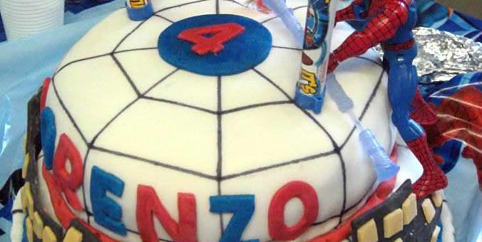 Torta di compleanno di Spiderman