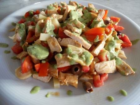 insalata pollo basilico