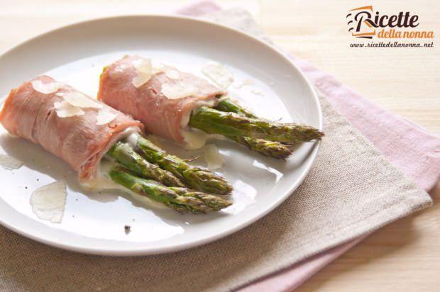Involtini di asparagi e prosciutto ricetta e foto
