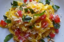Tagliatelle in salsa di peperoni