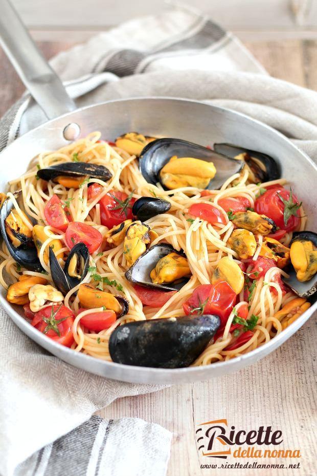 Spaghetti con le cozze ricetta e foto