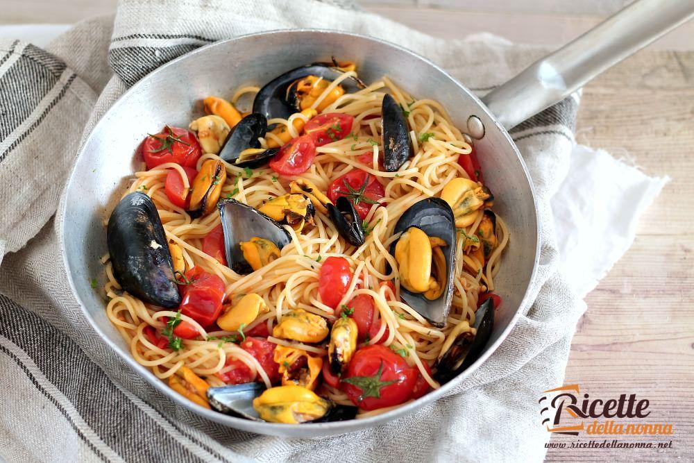 Spaghetti con le cozze ricette della nonna for Ricette veloci vegetariane primi piatti