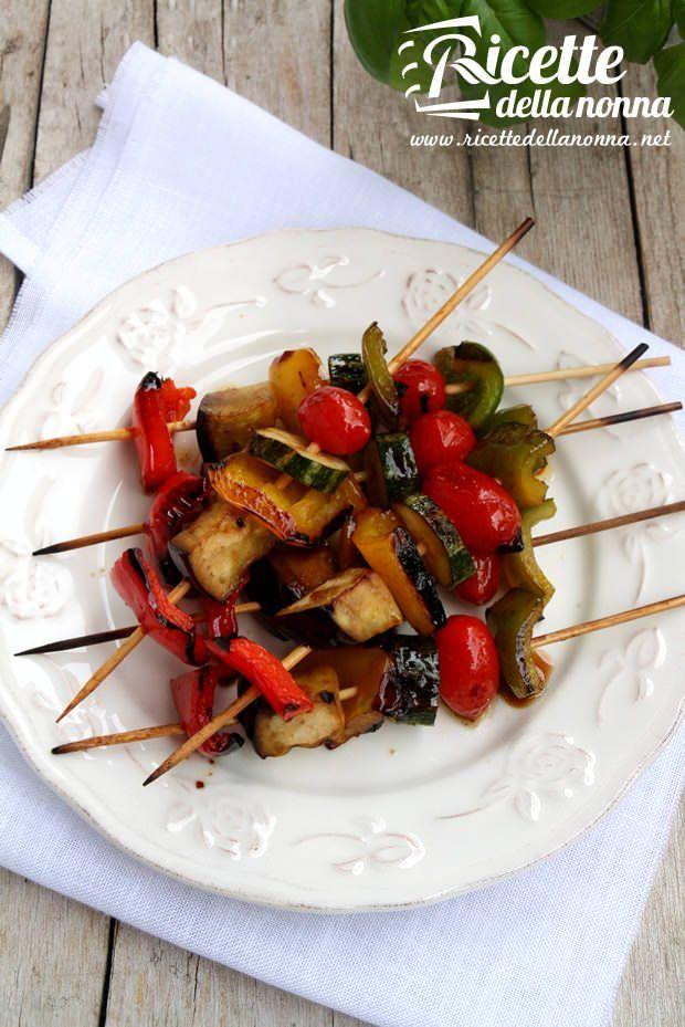 Spiedini di verdure marinati alla griglia ricetta e foto