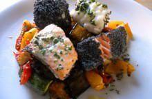Salmone, coda di rospo e verdure al forno