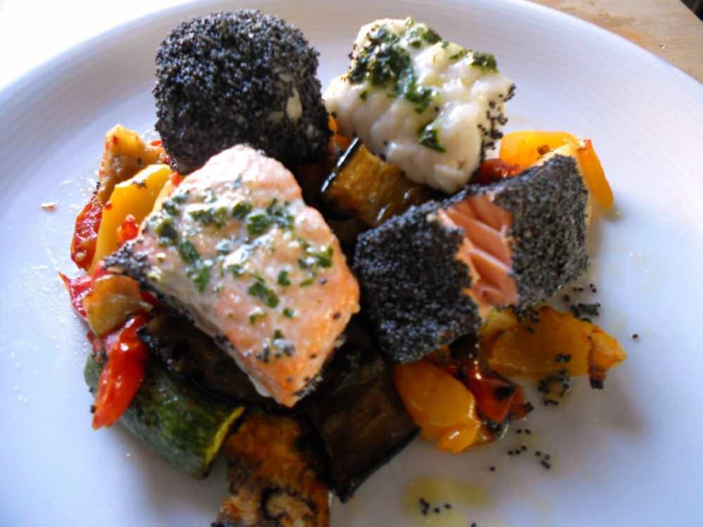 Salmone coda di rospo e verdure al forno ricette della for Salmone ricette