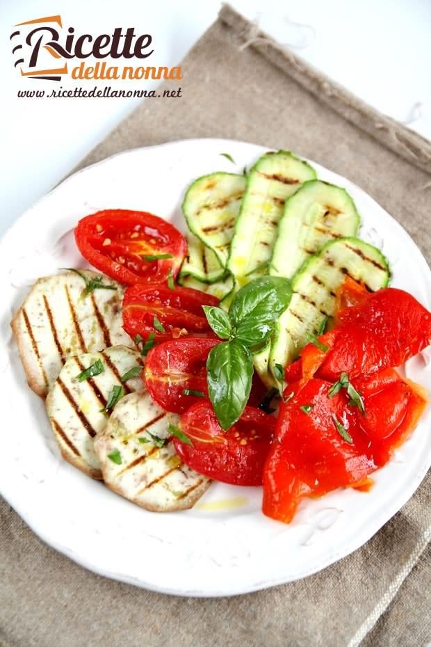 Foto insalata di verdure grigliate