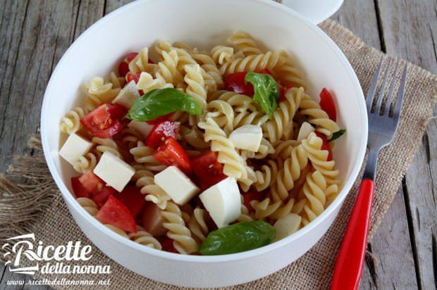 Ricetta insalata di pasta alla caprese