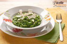 Risotto con spinaci e riccioli di formaggio