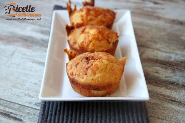 Muffin al prosciutto cotto e formaggio ricetta e foto