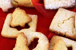 Biscotti di Natale con panna e miele