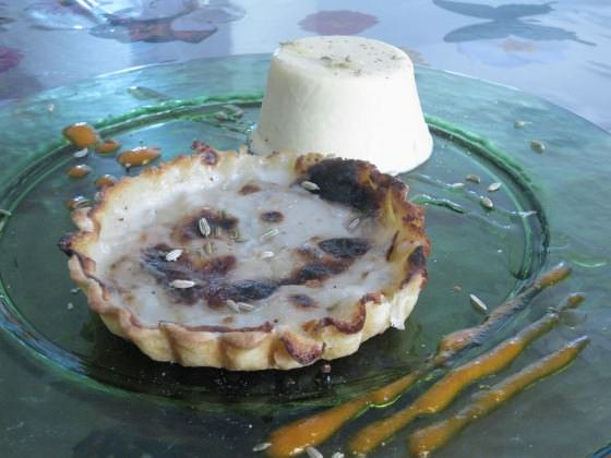 Quiche di pere e gorgonzola e bavarese di finocchi ricetta e foto